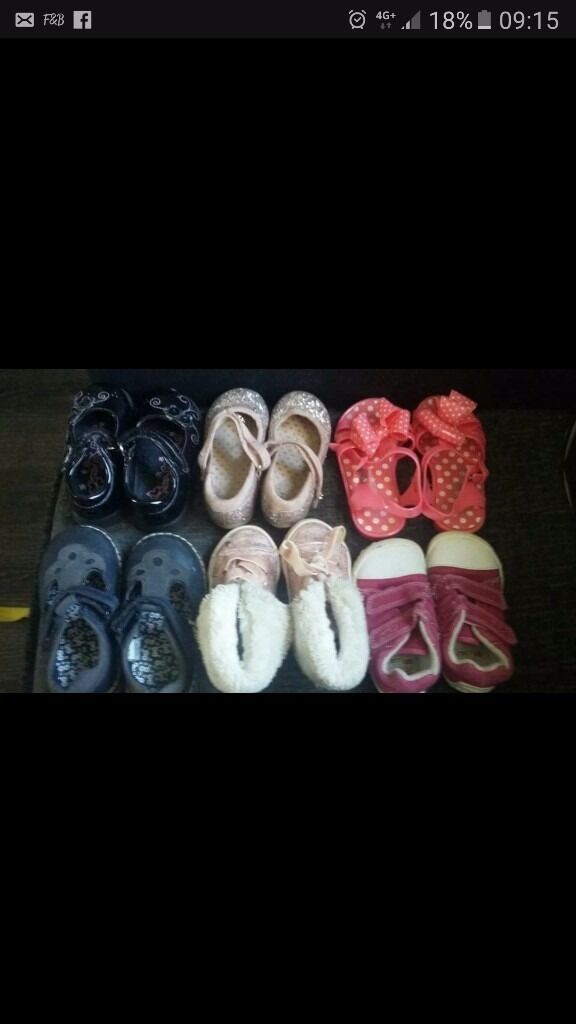 6 pairs of infant shoes size 4 and 5