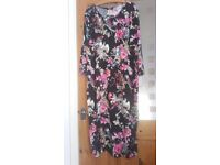 New with Tags,Lovely dress 22/24, round neck, jersey below knee