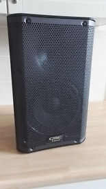 QSC K8 1000w loudspeaker with QSC speaker bag, immaculate condition as new.