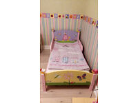 Wooden toddler bed in excellent condition