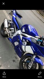 Yamaha R6 loads of service history very fast bike 2 months mot