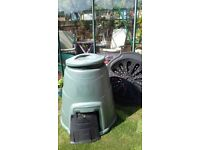 Compost Bin 330L with base plate, hatch and lid £10 ono