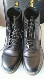 Mens Black Dr Marten Boots