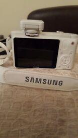 Samsung NX1000 DSLR Camera.