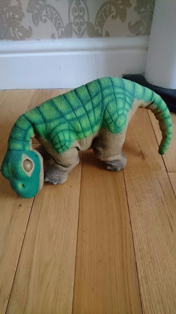 Pleo dinosaur robotic / electronic pet