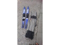 Yamaha pair of waterskis/monoski with carrycase