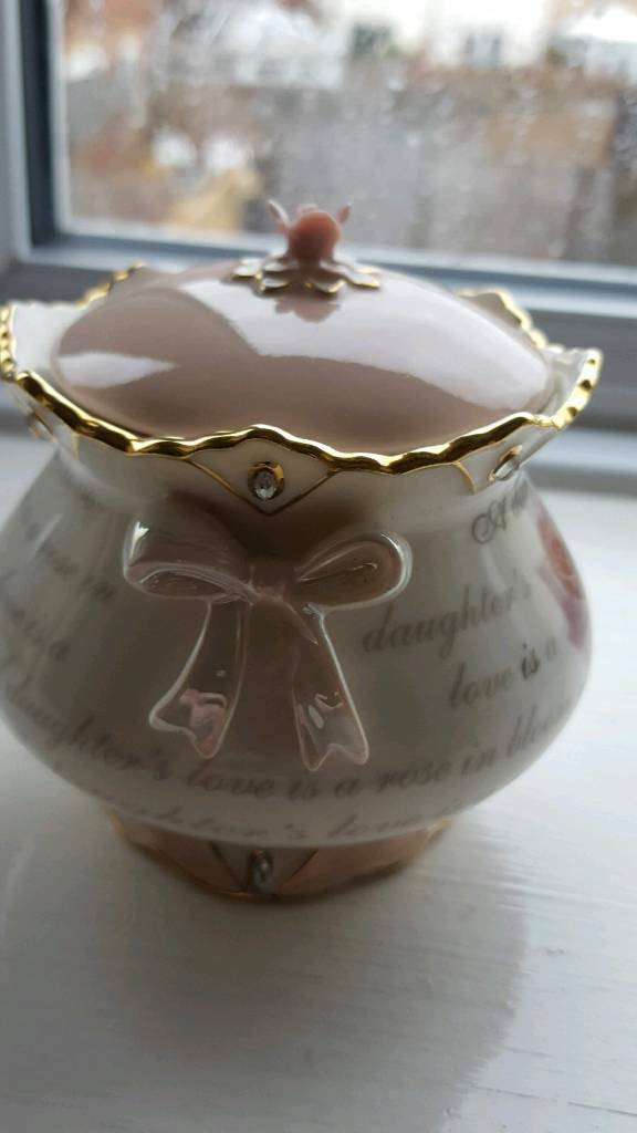 Porcelain music box