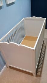 White cot bed frame