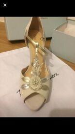 Rachel Simpson heels