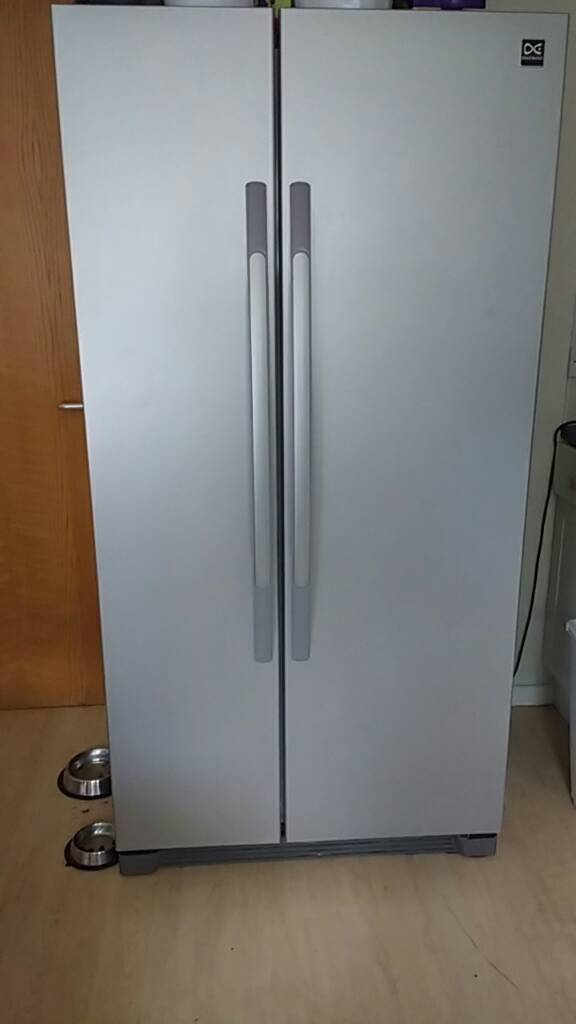 Daewoo American style fridge freezerin Banbury, OxfordshireGumtree - In very good condition, only selling due to house move, 2.5 years old, RRP £520, works perfectly, minor marks on door