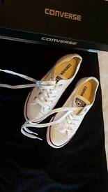 Size 3 converse dainty new