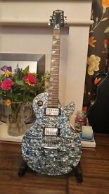 Epiphone Les Paul Limited Edition guitar in Pearlescent effect. Excellent condition