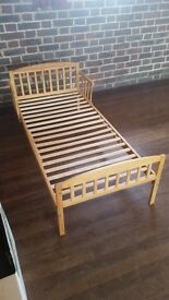 Wooden bed frame for toddler