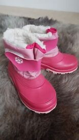 Girls snow boots size 26/27