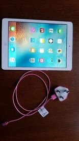 Apple ipad air 32gb in perfect working condition. Not even 1 small scratch. Just perfect. Like new