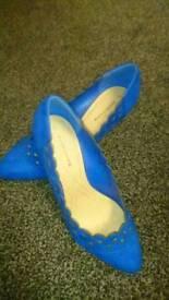 Ladies size 5 UK brand new