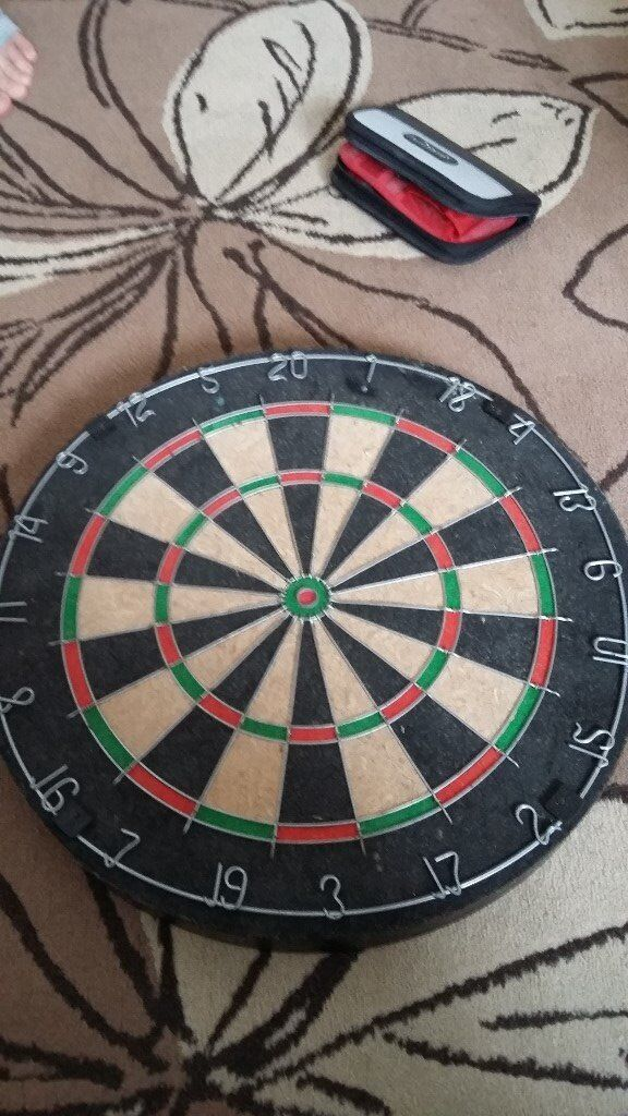 Regulation Size Dartboard With Accessories