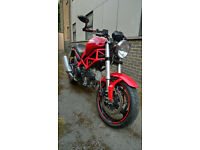 Ducati Monster 695 / 2007 Red - in excellent condition, less than 4.4k miles