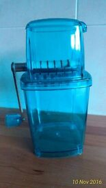 KITCHEN TOP ICE CRUSHER