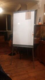 Standing magnetic whiteboard
