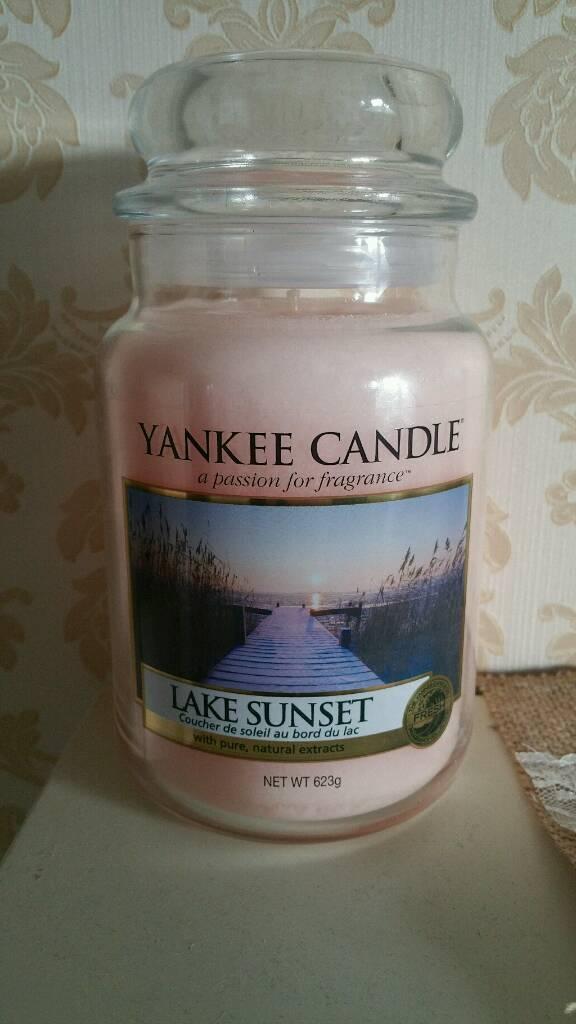 Large lake sunset Yankee candle new