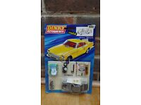 Dinky Action Kit 1002 Yellow Volvo 1800s (Meccano)