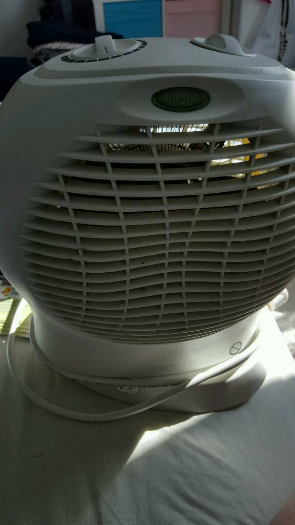 Good condition oscillating electric fan