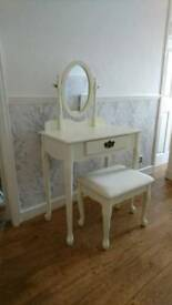Shabby chic vanity table