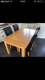 Dining table with 6 chairs excellent condition