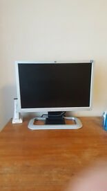 "HP 20"" widescreen monitor, vga dvi"