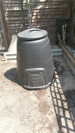 Black wall Compost bin 330 litre