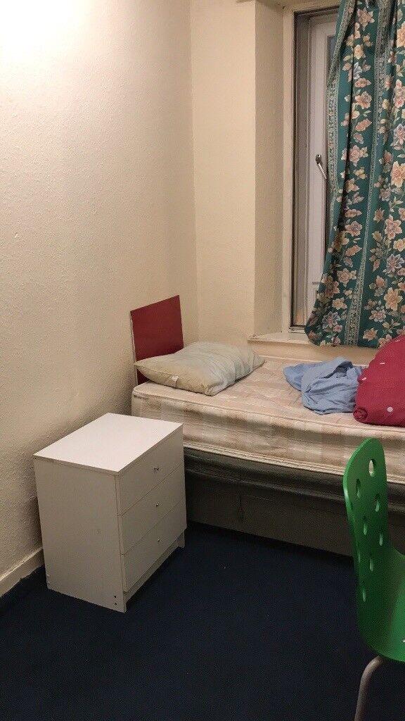 Single room on king street