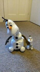 Frozen Olaf Soft toy and plastic figure