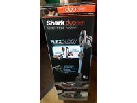 Shark DuoClean Cordless Vacuum Cleaner Single Battery IF200UKT Brand New still boxed