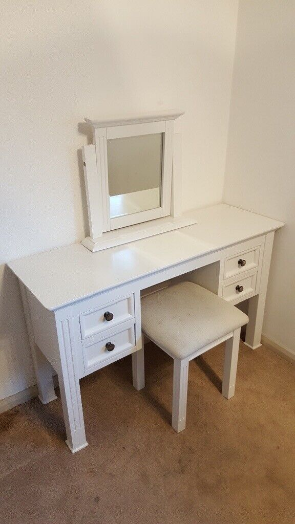 White Dressing Table Chair And Mirror In Lincoln Lincolnshire