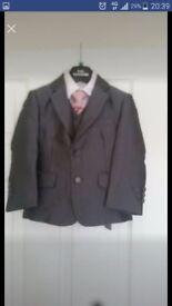 Boys 5 piece suit size 3