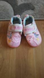 Peppa pig slipper size infant 8 to 9