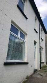 Two bedroom house to let troedyrhiw Merthyr tydfil