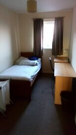 Single room to rent in Port Dundas - close to city centre - private parking - £275 pm