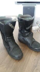Daytona Roadstar GTX Goretex boots, size 9 - great condition.
