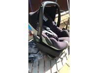 Maxi Cosi Pebble car seat and Easyfix base