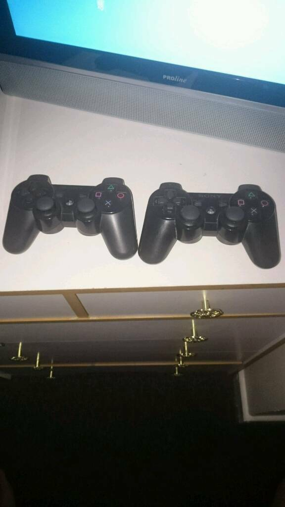 Ps3 120gbin Nuneaton, WarwickshireGumtree - Ps3 slimline, 2 dualshock pads, 5 games built into ps3 (canis canem edit, need for Speed most wanted, toy story 2 and 3, monopoly plus)and 1 disc (fifa15)