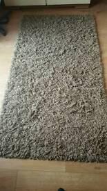 2 shaggy rugs £35