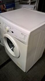 WASHING MACHINE IN GREAT CONDITION WHIRPOOL AS PER PHOTO READY TO PLUG IN