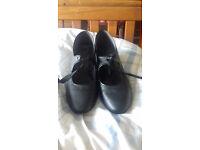 Tap shoes size 7 .Excellent condition.