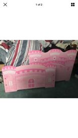 Girls toddler bed with matteress and protector :-)