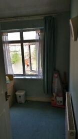 Well Furnished Single Room to Let in Chadwell Heath for Single Professional