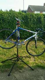 58cm 2005 TREK SLR ROAD BIKE WITH CARBON FORK NEW PRICE