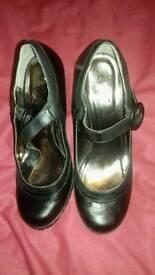 E-vie women's high heel shoes size 5
