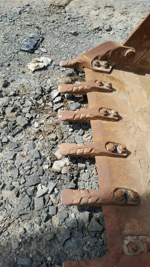 Excavator 8/10 tonne digging bucket